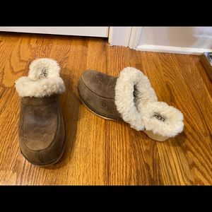 UGG LEATHER SHEARLING WOOD CLOGS  SHOES Sz 7